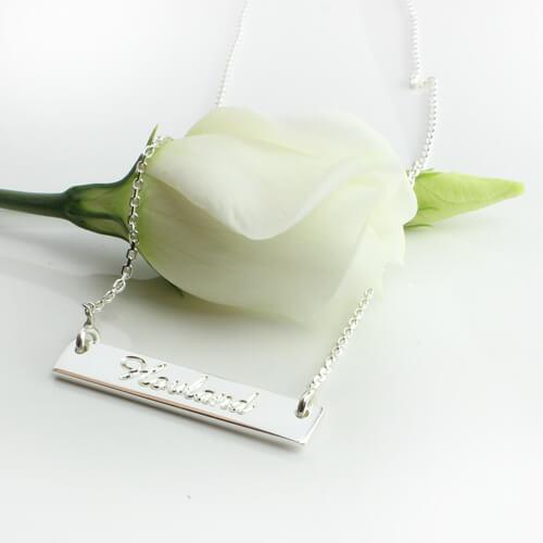 namnhalsband i silver