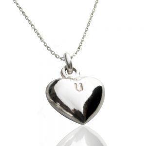 Silverhjärta med bokstav